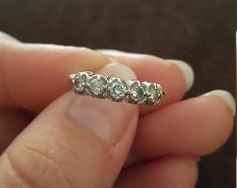 14k white gold and diamond vintage band
