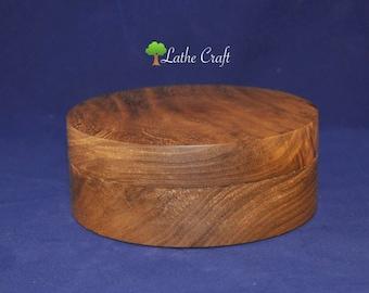 Box in Walnut Wood - Handmade in UK