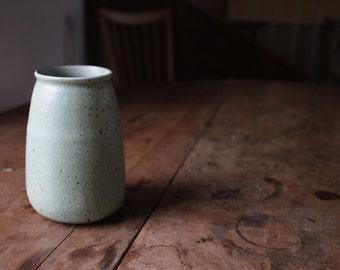 Vase // green glaze // ceramic // stoneware