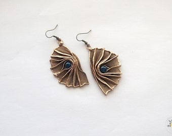 Earrings of brass with blue cat's eye/original style jewelry/healthy/fashion and stylish