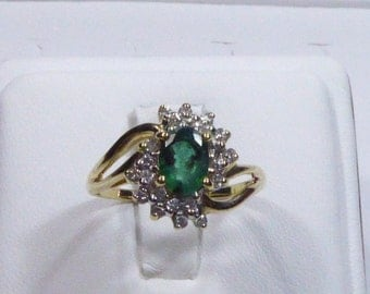 Vintage 14k yellow gold ring with 1.00ct Emerald and 0.28ct Diamond, size 8