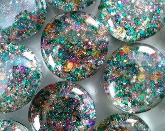 Magnified Glitter Magnets