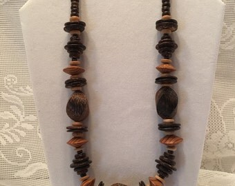 Vintage Wooden Bead Necklace ~ Chunky Wood Beads ~ Bold Necklace ~ Brown Necklace