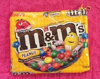 M & M Pouch