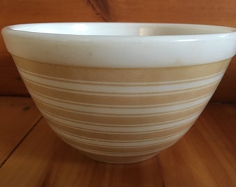 Vintage Pyrex 401 stripes bowl