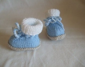 Hand Knitted Newborn Baby Boy Blue Bootees, Slippers, Crib Shoes, Winter Bootees. To fit approx 0-6 months. Pregnancy Announcement, Baby Boy
