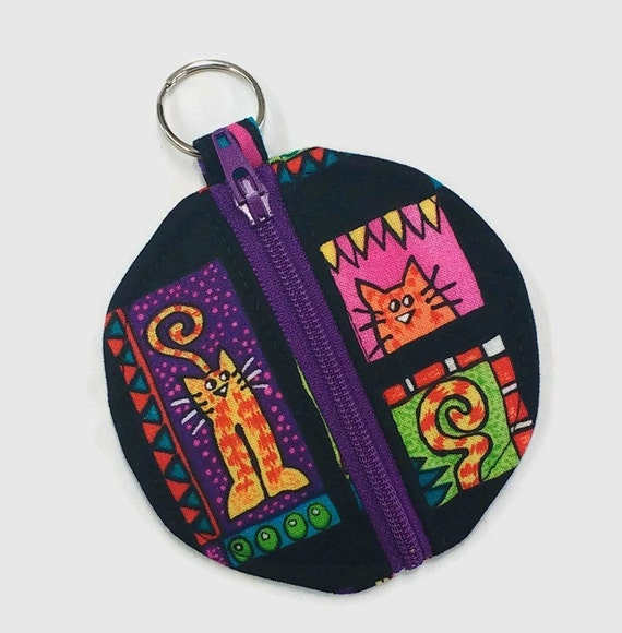 Black cat earbud pouch, black cat coin purse, cat chapstick holder, knitting markers holder, cat bag, cat lover gift