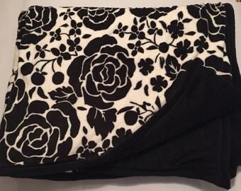 Black and white rose blanket