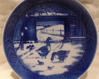 Vintage~Royal Copenhagen~1969~Collectors Plate~In The Old Farmyard~Goose~Farm Life~Danish~Winter~Souvenir~