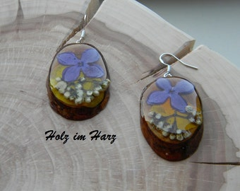 """Wooden Earrings, Wood Earrings, Exotic """"lilac"""" with dry flowers of lilac and ash impregnated with orange oil, ready to send."""