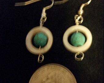capture bead earring