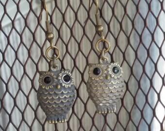 Vintage looking brass owl earrings