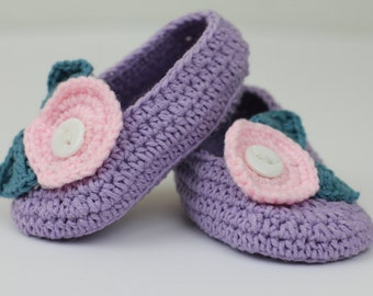 Pregnancy Announcement/ Gender Reveal Gift Box/ Crochet Baby Shoes/ Gifts for grandparents, aunts, uncles and more!
