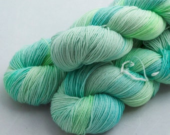 Dive on Shoal, 75 Merino 25 Nylon, fingering weight yarn handdyed indie