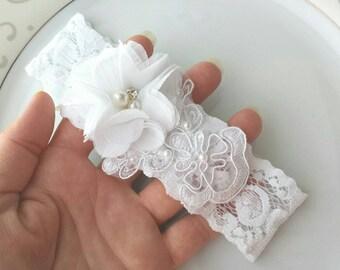 Wedding Garter, White, Bridal Garter Belt, Custom Lace Garter, Applique Garter, Pearl Garter, Custom Flower Garter, Hand Sewn Applique, Prom