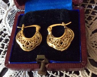 Vintage BEAUTIFUL FILIGREE EARRINGS - Gold plated-very Nice