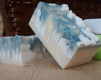 Coconut and Olive Oil Lofty Soap Bar