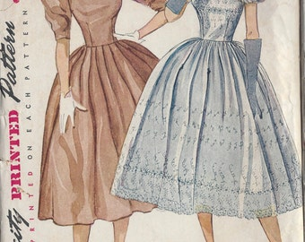 "1952 Vintage Sewing Pattern B29"" DRESS (R714) Simplicity 3855"