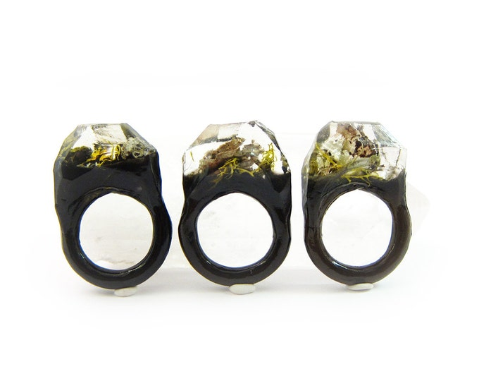 Lichen Moss Terrarium Resin Ring • Size 7 • Eco Resin Ring • Asymmetrical Unusual Ring • Faceted Resin Terrarium Ring • Nature Resin Ring