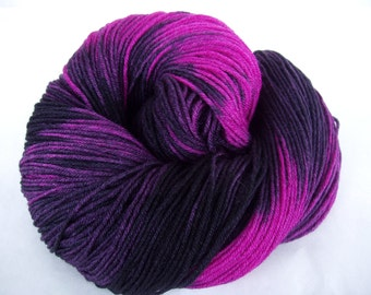 SILKY GOTHIC, hand dyed yarn, merino silk yarn, fingering weight yarn, hand painted yarn, super soft yarn, pink yarn, black yarn, 440yds