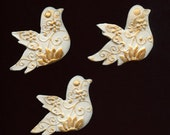 Lot of 3 Polymer Undrilled Dove Cabs with gold metallic DVS 1