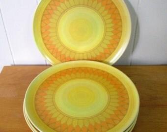 6 vintage retro melmac dinner plates Lenox Ware