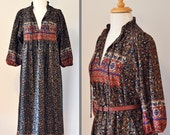 1970s Cady Carol of NY Boho Print Hippie Dress Floral Pattern Peasant Style Fall Colors