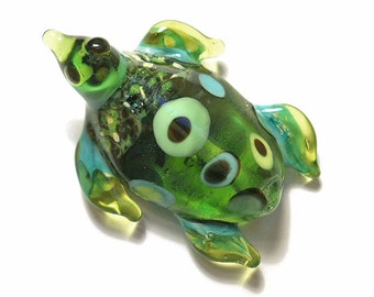 Green Sea Turtle necklace, organic Lamp Work Glass Bead turtle pendant, ready to wear jewelry, Isinglass Design, glassbead, SRAJD