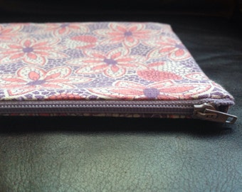 Vintage floral fabric zippered pouch