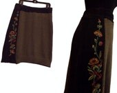 SALE Floral Sweater Skirt Ruffle L/XL arge Flower Rose Recycled Women Clothing Colorblock