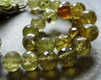 AAA Grossular Garnet Faceted Rounds - 8mm - Packet of 4 Beads