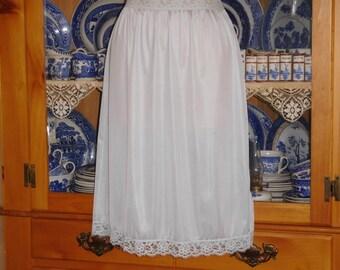 Free Shipping..Beautiful Vintage Vassarette Pale Blue Half Slip Lace Trim