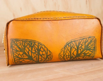 Dopp Bag - Handmade leather in the Leaf Pattern - Leather Toiletry Kit in Blue and Tan