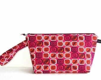 Wedge Bag, Small-Project Knitting Bag, Beyond the Backyard