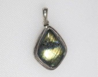 Sterling silver teardrop labradorite pendant