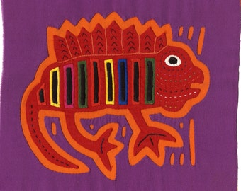 Super-Colorful Iguana Mola - Stellar Kuna Indian Reverse Applique, Bold Rich Colors