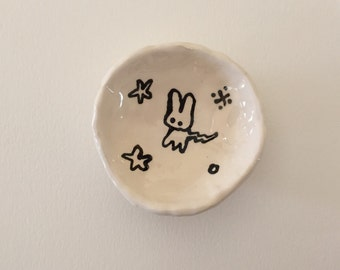 Small dish with bunny and stars