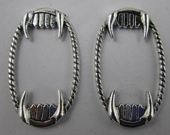 vampire teeth fangs  charm  quantity 4    rt13  zombie horror scary movies