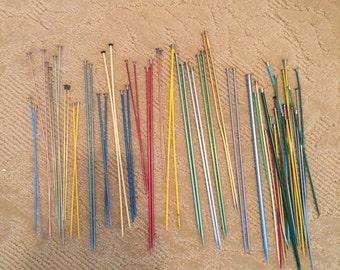Metal and Plastic Knitting Needles / 10 pair