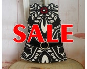 SALE~~LADYBIRD HOUSE Blythe Outfit Black And White Dress - B
