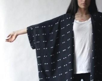 B + W Kimono