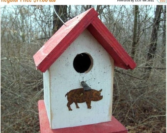 SUMMER SALE Chickadee Wren Songbird White and Red Primitive Birdhouse Rusty Pig