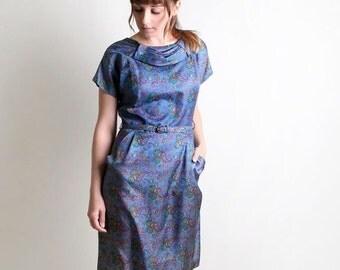 ON SALE Vintage Paisley 1950s 1960s Wiggle Style Dress - Medium to Large
