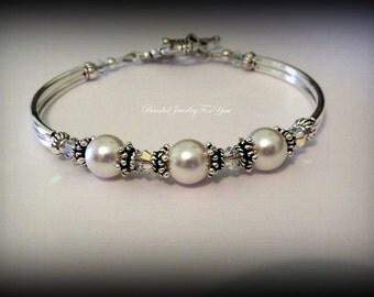 Pearl Wedding Bracelet: Bridesmaid Bracelet, Bridesmaid Jewelry, Pearl Jewelry, Wedding Pearls, Wedding Party, Bridal Party Gift, Bridesmaid
