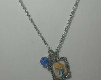 Alice in Wonderland classic resin frame necklace