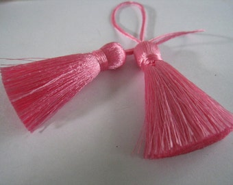 4 Pieces of Short Silk Tassel  - Rose Pink