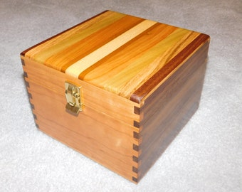 """Large Wood Recipe Box for 4"""" x 6"""" Index Cards - Walnut and Cherry"""
