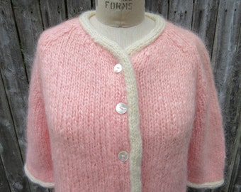 Vintage sweater chunky Pink and ivory cardigan Famelia Soft Fuzzy Knitted Top Hand Knit Wool Blend Retro Mod Button Front Handmade in Italy