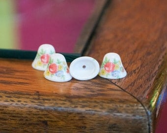 Vintage Flowers on White Glass Bell Beads Japan 12mm (4) jpn011C