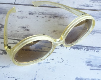 Vintage Sunglasses Cool Ray Polaroid Frames - Clear Social Eyes Round 1960s